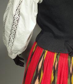Jalasjärvi. Folk Costume, Costumes, Folk Clothing, Scandinavian Art, Traditional Dresses, Handicraft, Finland, Folk Art, Lisa