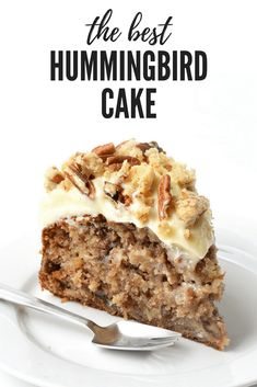 Hummingbird Cake with Cream Cheese Frosting — The most delicious Hummingbird Cake I've ever had. It's soft and moist filled with bananas, pecans, and pineapple and covered with cream cheese frosting and pecan cookie crumbs. Brownie Desserts, Oreo Dessert, Mini Desserts, Just Desserts, Delicious Desserts, Dessert Recipes, Yummy Food, Spring Desserts, Health Desserts