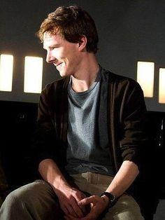Look at that smile!! Look at it!! THAT is a Peter-Pan-smile!