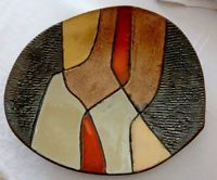 MODERNIST 1960'S GUY OUVRARD CERAMIC PLATE SIGNED BUT NOT DATED EARLY PIECE? Ceramic Plates, Art Studios, Pottery Art, Guy, Mid Century, Bird, Pottery Plates, Birds, Medieval