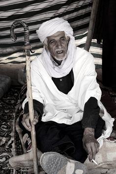 """Voyager en Algérie ressemble parfois à une """"quête du Temps perdu""""... Depuis plus de cinq ans, je me suis déplacé régulièrement dans mon pays d'origine. Pour me rendre dans de nombreuses localités, à travers presque une trentaine de wilayas. Des côtes,..."""