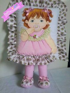 Cute Pillows, Kids Pillows, Muñeca Diy, Painted Clothes, Doll Face, Handmade Flowers, Fabric Painting, Baby Quilts, Fabric Flowers