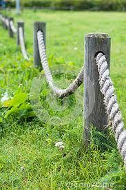 Картинки по запросу ограждения веревкой