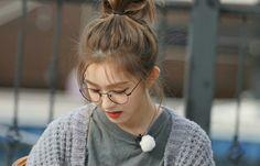 Wendy Red Velvet, Red Velvet Joy, Velvet Hair, Red Velvet Seulgi, Red Velvet Irene, Short Bob Hairstyles, Trendy Hairstyles, Wedding Hairstyles, Red Valvet