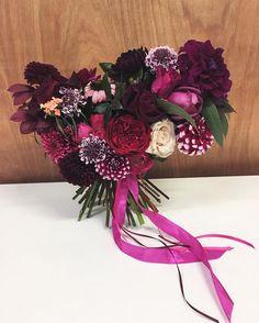 This week's brides know what's up w/ the berry tones. This one for Kate!  #autumn #autumnflowers #autumnal #bridalbouquet #bridetobe #weddingplanning #weddingflowers #weddinginspiration #plumflower #masala #fotd #floralfix #flowersofinstagram #flowerstagram #londonflorist #palais #palaisflowers