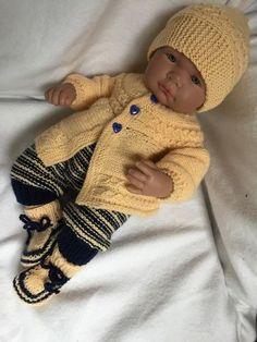 X Baby Cardigan, Preemie Crochet, Crochet Hats, Knitting Dolls Clothes, Doll Clothes, Reborn Dolls, Baby Dolls, Baby Born Kleidung, Tricot Baby