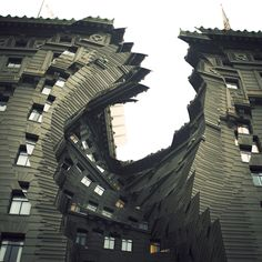 I like how the architecture gets all twisted. (Twisted Architecture by Nicholas Kennedy Sitton) Storyboard, Amazing Architecture, Architecture Design, Architecture Collage, Twisted Series, Photomontage, Photos Originales, Fantastic Beasts And Where, Wow Art
