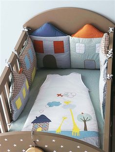 NOWOŚĆ pościel ,,Small Little Houses,, - 3852847978 - oficjalne archiwum Allegro Sewing Projects For Kids, Sewing For Kids, Baby Sewing, Diy For Kids, Quilt Baby, Cot Bumper, Kit Bebe, Patchwork Baby, Baby Bedding Sets