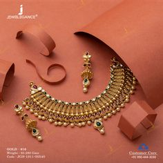Antique set that adds glamour to your personality. Gold Mangalsutra Designs, Gold Jewellery Design, Gold Jewelry, Women Jewelry, Gold Necklace, Jewellery Earrings, Diamond Jewellery, Handmade Jewellery, Necklace Set