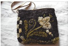 maggies-pusre-boxwood - my hooking is done, I just need to put the purse together