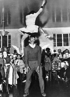 Lindy Hop - Frankie Manning and Ann Johnson (1941)
