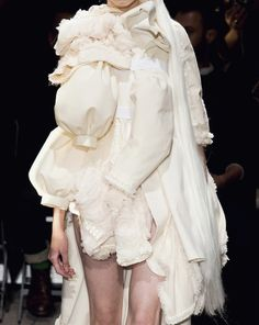 """COMME DES GARCONS, And the model is thinking """"I wanted to be a Victoria Secret Model"""" not an idiot modeling sleeves! Fashion Brands, High Fashion, Womens Fashion, Conceptual Fashion, Fashion Details, Fashion Design, Recycled Fashion, Comme Des Garcons, Costume"""