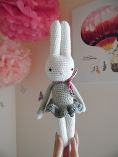 Hello everyone ! To start this beautiful month of March I offer the tutorial Leonie la Lapine. Below, it is represented under … Crochet Amigurumi, Crochet Bunny, Crochet For Kids, Crochet Dolls, Knit Crochet, Crochet Hats, Golf Club Covers, Softies, Baby Toys