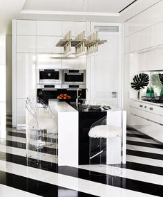 New kitchen floor black architectural digest Ideas Home, Kitchen Design, Interior Deco, Black Kitchens, Martyn Lawrence Bullard, Kitchen Renovation Design, Celebrity Kitchens, House, Architectural Digest