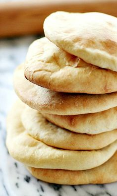 there's no real point to making this at home in saudi arabia; fresh tamees is super cheap and better than anything i could replicate in my own kitchen. but i will save this pita bread recipe for when i am in missouri! Homemade Pita Bread, Bread Recipes, Cooking Recipes, Breakfast Desayunos, Def Not, Snacks Für Party, Omelette, C'est Bon, Bread Baking