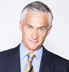 jorge ramos. univision anchor. he is so handsome. what i like to call the latin anderson cooper.