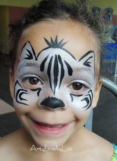 DIY Zebra Face Paint #DIY #FacePainting #Halloween #Costumes #HalloweenCostume #Birthdays #Birthday #Party #Parties #Zebras