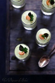 Mousse d'avocat au saumon fumé Food Photography Styling, Food Styling, Entrees, Panna Cotta, Cooking Recipes, Ethnic Recipes, Desserts, Parfait, Table