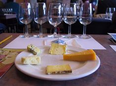 THE KEY TO PAIRING WINE AND CHEESE