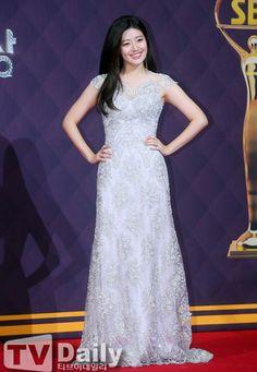 Nam ji hyun at sbs awards Nam Ji Hyun Actress, Shopping King Louis, Suspicious Partner, Artists For Kids, Korean Actresses, Korean Celebrities, Red Carpet Dresses, My Princess, I Fall In Love