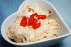 g sheep cheese 100 g yogurt, Turkish cream yogurt 25 g tomato(s), dried in Oil 1 TSP t Cream Recipes, Vegan Recipes, Nacho Dip, Vegetarian Nachos, Garlic Dip, Party Dips, Party Buffet, Pasta, Hummus