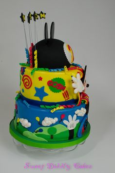 Mickey Mouse clubhouse cake - side