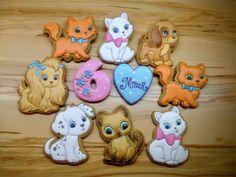 Настя Каримова (Балагура) - Пряники ( мои работы) | OK.RU Cat Cookies, Cookies For Kids, Sweet Cookies, Sugar Cookies, Sugar Animal, Gingerbread Icing, Dog Cupcakes, Dog Bakery, Homemade Dog Treats