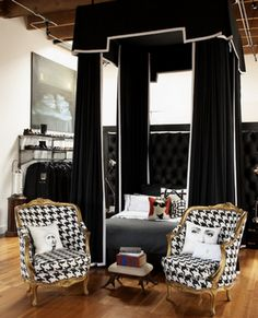 Houndstooth chairs (love 'em more w/ black trim!) and pretty black canopy bed