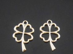 30pcs Gold Plated Four Leaf Clover Charm Pendant Flower by eSupply, $13.99