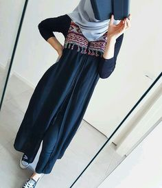 very very nice Abaya Fashion, Muslim Fashion, Modest Fashion, Modest Outfits, Fashion Outfits, Hijab Style Dress, Casual Hijab Outfit, Hijab Chic, Outfit Look