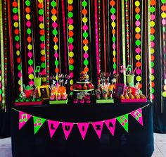 Decorando com Arte - Lembrancinhas Personalizadas: Baladinha Neon - Neon Party                                                                                                                                                                                 More