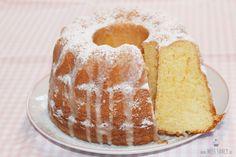 Wenn ´s mal klein sein soll, dafür habe ich heute ein Rezept für einen kleinen Buttermilchkuchen. Viele Rezepte sind von großen Kuchen hier ist das anders.