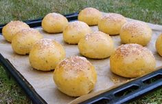 crustycorner: Tomatovo - bazalkové housky
