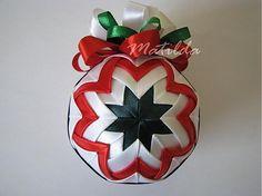 Matilda / Patchworková guľa - biela, zelená a červená