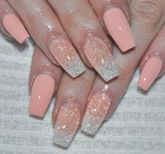 Solar Nails Glitter Nails fur Frauen The post Solar Nails Glitter Nails fur Frauen appeared first on Nageldesign. Fabulous Nails, Gorgeous Nails, Pretty Nails, Hot Nails, Pink Nails, Hair And Nails, Glitter Nails, Coral Ombre Nails, Peach Acrylic Nails