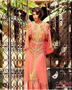 Collection Caftan impériale est fabriqué selon la pure tradition marocaine, cette cré...