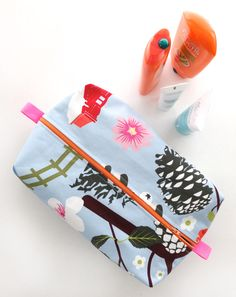 Zippered Wash Bag Pattern – Make a gift From One Mother to Another | My Poppet Makes