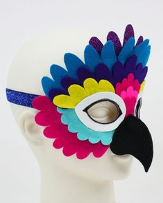Bird of paradise costume mask-children Parrot Costume, Bird Costume, Carnival Masks, Carnival Costumes, Diy For Kids, Crafts For Kids, Arts And Crafts, Theme Carnaval, Book Day Costumes