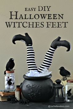 Easy DIY Witch Feet in Cauldron Halloween Decoration Best Picture For diy halloween scary For Your Taste You are looking for something, and it is going to tell you exactly what you are looking for, an Fairy Halloween Costumes, Halloween Kostüm, Halloween Projects, Holidays Halloween, Rustic Halloween, Halloween Labels, Diy Projects, Halloween Letters, Adornos Halloween