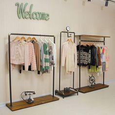 Tienda Online Xin XIEFA iron floor vintage clothing store clothes hanger rack shelf wood rack clothing rack on the wall