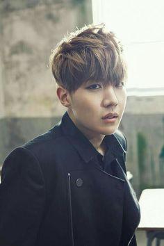 """BTS (Bangtan Boys) revela imagens prévias de """"Skool Luv Affair"""" e divulga lista de músicas! Gwangju, Bts Bangtan Boy, Bts Boys, Jhope Bts, Jung Hoseok, Bts Tracklist, K Pop, Wattpad, Bts Skool Luv Affair"""