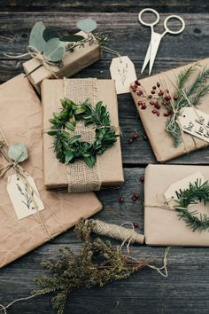 Informations About Dekoration & Schönes – lisawagnerfotografies Webseite! Christmas Gift Wrapping, Diy Christmas Gifts, All Things Christmas, Holiday Gifts, Christmas Decorations, Gift Wraping, Creative Gift Wrapping, Simple Gift Wrapping Ideas, Present Wrapping