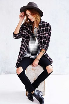 O + S Destroyed Stripe Tee - Urban Outfitters