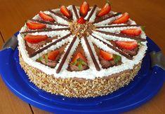 Erdbeer-Schokoladen Torte, ein schmackhaftes Rezept mit Bild aus der Kategorie Torten. 50 Bewertungen: Ø 4,5. Tags: Backen, Frühling, Sommer, Torte