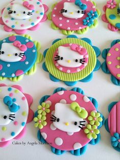 Hello kitty cupcake toppers and like OMG! get some yourself some pawtastic adorable cat apparel! Fondant Cupcakes, Kid Cupcakes, Fondant Toppers, Cupcake Cookies, Ladybug Cupcakes, Snowman Cupcakes, Princess Cupcakes, Torta Hello Kitty, Hello Kitty Cupcakes