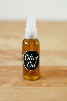 DIY – Olive oil spray bottle | By Wilma