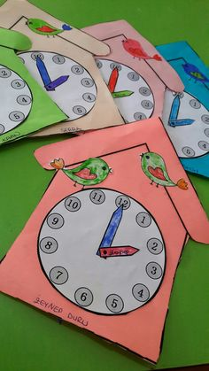 Diy And Crafts, Arts And Crafts, Paper Crafts, Clock Learning For Kids, Petra, Education, Tissue Paper Crafts, Paper Craft Work, Papercraft