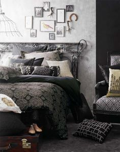 The bed is simply awesome. I like the pictures on the wall: great idea!