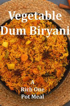 Veg Biryani Recipe Indian, Vegetable Biryani Recipe, Indian Veg Recipes, Indian Dessert Recipes, Tasty Vegetarian Recipes, Spicy Recipes, Curry Recipes, Cooking Recipes, Comida India