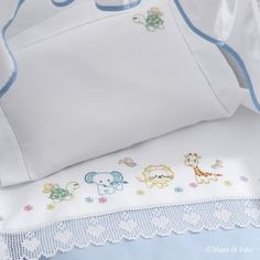 White linen with drawings to realize the cotsheet with embroidery in various stitches and crochet filet border. The scheme to realize the border is in Mani di Fata January 2019 or it can be downloaded in pdf version after purchasing the item. Baby Sheets, Baby Bedding Sets, Baby Pillows, Baby Embroidery, Ribbon Embroidery, Embroidery Patterns, French Knot Stitch, Handmade Baby Quilts, Baby Couture